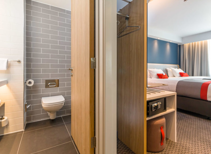 Holiday Inn Express Bodmin - Bathroom and Bedroom